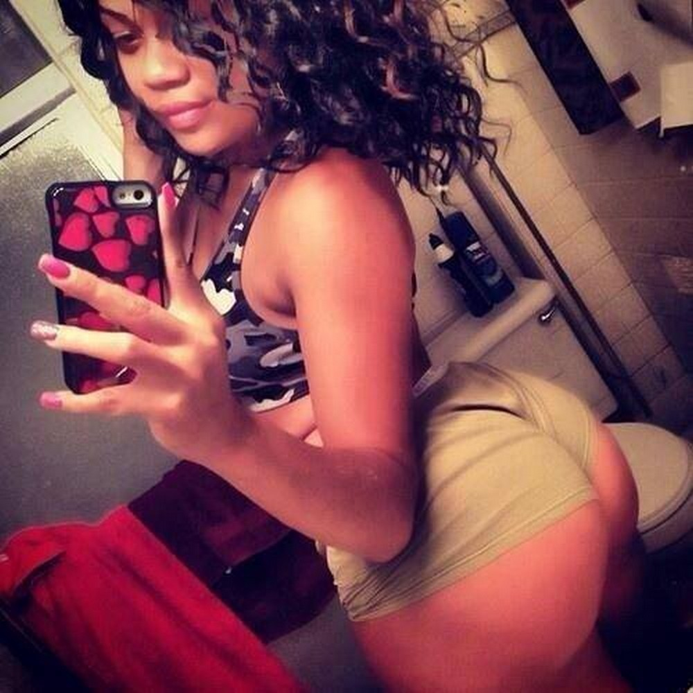 Thick girl brown skin selfie with shorts up butt